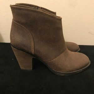 Jessica Simpson rustic brown ankle boots size 8.5